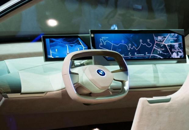 Галерия с 10 снимки на коли от настоящето и бъдещето, които са повече или по-малко автономни