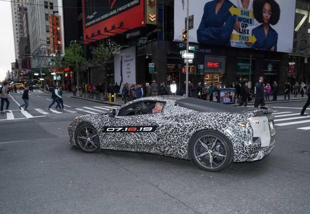 Галерия снимки с прототипи на Corvette C8
