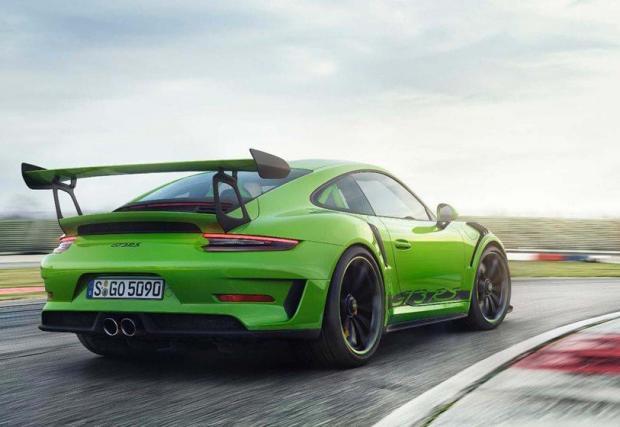 """6. Porsche 911 GT3 RS (991.2): 6:56,4 мин. Точно преди година Porsche развъртащото 9000 об/мин GT3 RS стана едва третото Porsche, слязло под 7 минути на """"Ринга"""". Сваляме шапка…"""