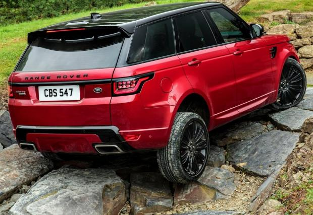 Range Rover Sport SDV8. Първият 8-цилиндров дизел в класацията и поредният автомобил от Великобритания - 4,4-литровият агрегат тук генерира 339 к.с. и 740 Нм въртящ момент. Сериозни числа, но ускорението е някак разочароващо – 7.2 секунди от 0 до 100 км/ч