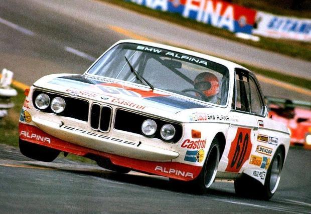 Смятан за един от най-добрите пилоти на своето време, Лауда обича и състезанията извън Формула 1