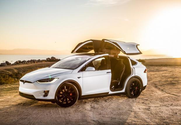 2. Tesla Model X Performance LM (2019): 2,7 секунди