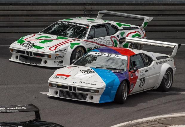 """1979: M88/2 в BMW M1. В най-мощната си версия M88/2 надхвърля 1000 к.с. и ускорява M1 до над 320 км/ч. По това време BMW записва някои изключителни битки с Porsche и Ford, като особено известна е победата на """"Норисринг"""" през 1981 г."""