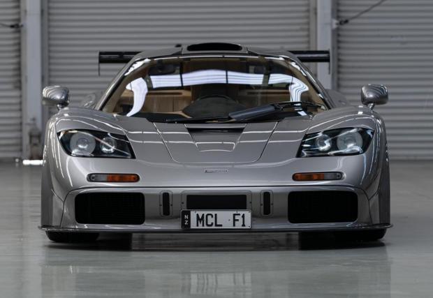 McLaren прави пет броя LM, посветени на петте GTR, които участват в Льо Ман през 1995, но само два броя LM Spec - този от снимките и още един.