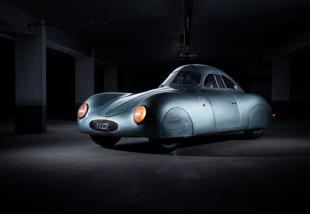 19 снимки с живата легенда на Porsche