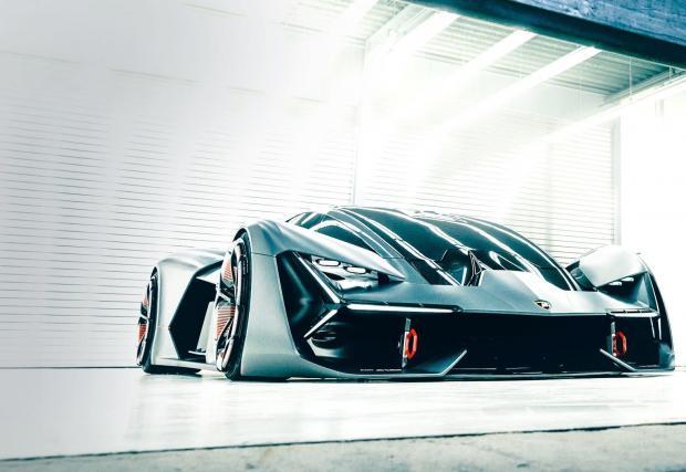 Прототипът се появи през 2017 с идеята за революционно хибридно задвижване без батерии
