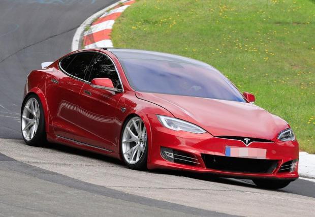 Ще успее ли Tesla да счупи рекорда на Taycan? Вижте галерията с 15 снимки