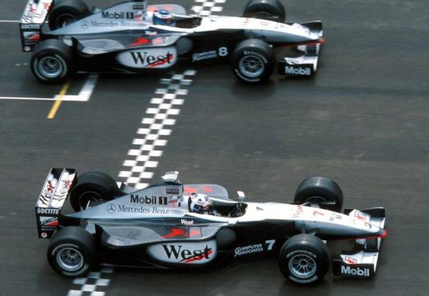 Последният период на доминация на McLaren беше с двигателите Mercedes в ерата на битката Хакинен-Шумахер