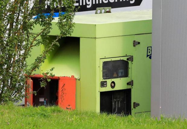 Дизеловият генератор за зареждане на електромобилите - много е еко, нали!?