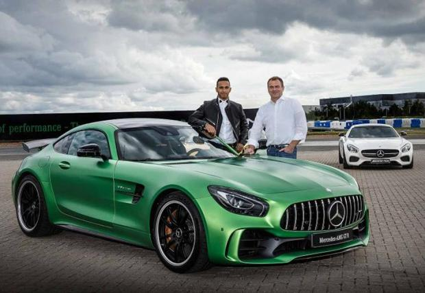 Mercedes AMG GT R - Не просто собственост на Хамилтън, пилотът участва в разработката на най-спортния AMG GT.