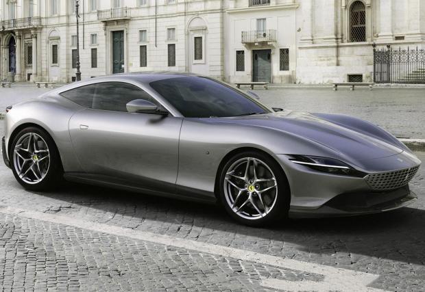 Галерия със седем снимки на изцяло новото малко Ferrari и неговите предшественици