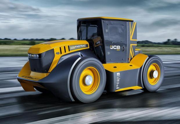 Четири снимки на най-бързия трактор в света