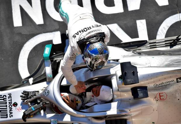 248 подиума: Отново втори след Шумахер, който има 308 (50,3% от състезанията си). Себастиан Фетел изостава с малко - 239 подиума (50%), но Люис е бил на подиума в 60% от участията си.
