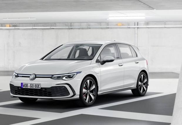 1. Volkswagen Golf - 427 490 продажби