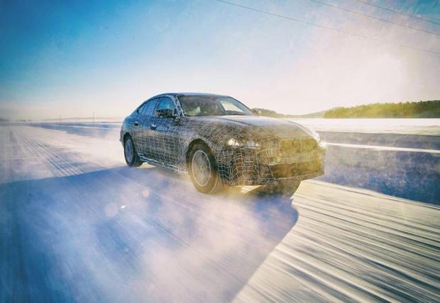 Тестовете в снежни условия все още продължават, а производството ще започне през 2021