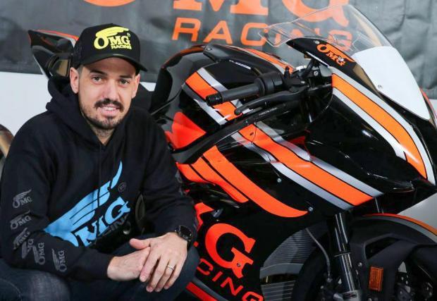 Джеймс Хилиър ще кара за BMW S 1000 RR и Yamaha R6 за OMG Racing.