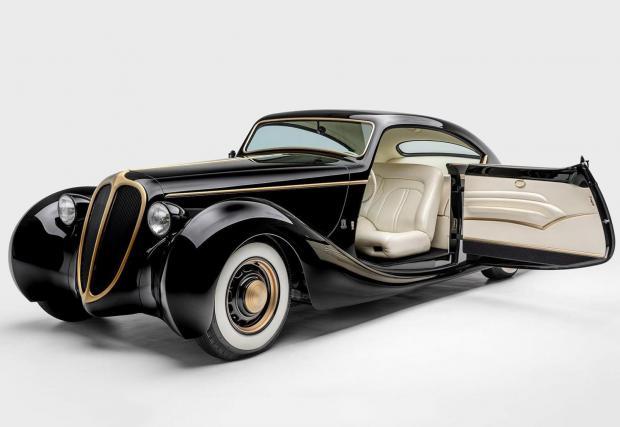 Black Pearl: Базиран на Jaguar от 1948, този красавец се задвижва от 5-литров американски V8 (Ford) и има уникална алуминиева каросерия, която не е взета наготово, а е изработена специално за Хетфийлд