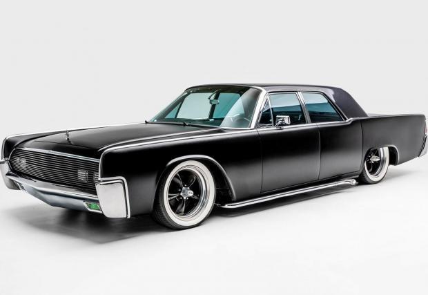 Dead Kennedy: Името може да ви излъже, че тази кола има нещо общо със злополучния Lincoln Continental, но всъщност тя е изцяло къстъм произведение, което само репликира легендарния Lincoln, без да използва никакви негови части.