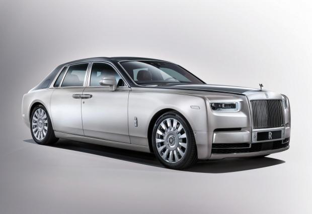 6. Всички модели на Rolls-Royce. За тези, които са забравили - Rolls е част от портфолиото на BMW, така че актуалният 6,75-литров V12 е изцяло баварска разработка. Независимо дали говорим за атмосферния N73 или за турбинирания N74.
