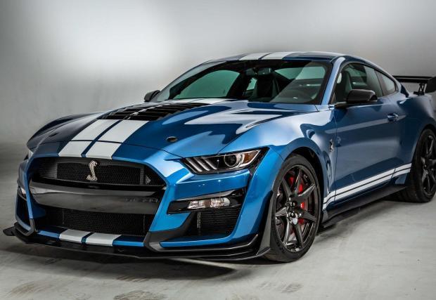 7. Ford Mustang Shelby GT500: Всички варианти на Shelby бързо се превръщат в класика, а GT500 с компресорен 5,2-литров V8 с 760 к.с. има всички основания да ги последва.