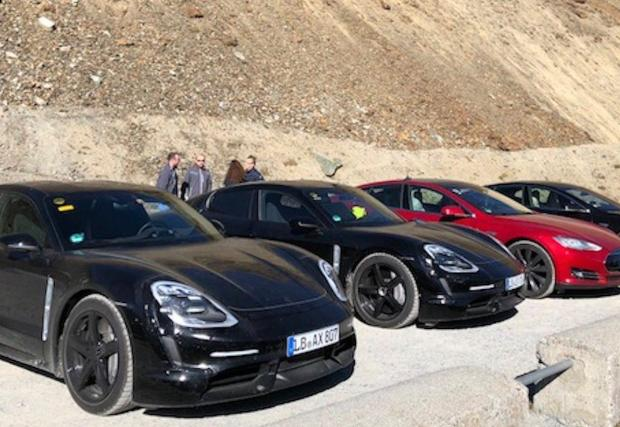 Porsche използваха много активно Model S по време на разработката на Taycan