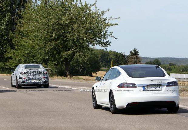 Mercedes EQS, следван от Model S