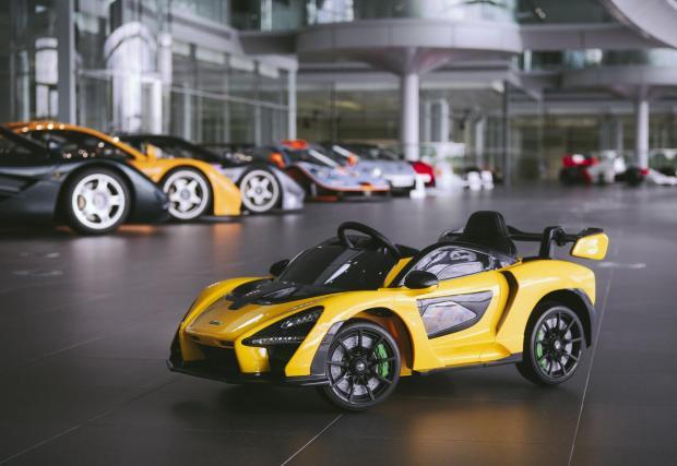 И в компанията на цялото семейство McLaren F1