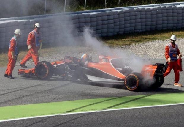 Тригодишното им партньорство с McLaren обаче бе неуспешно