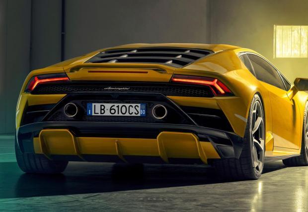 Галерия със снимки на коли, за които си заслужава да платиш 50 хил. евро такса...