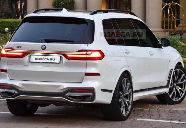 Отзад колата изглежда по-близо до оригинала, който така или иначе не е най-елегантният автомобил на света