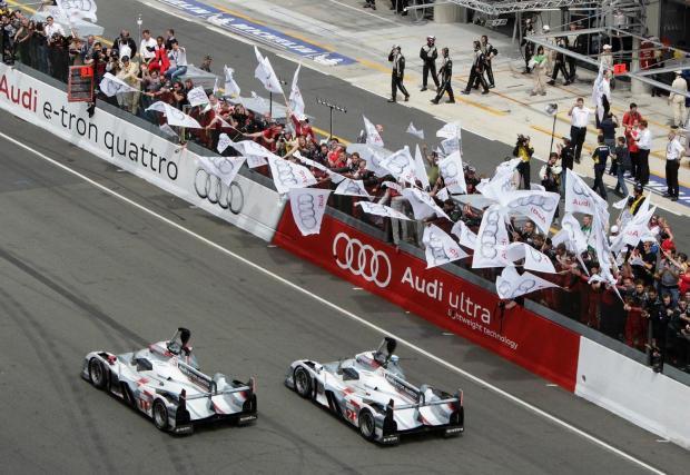 Audi съсипа конкуренцията в Льо Ман в продължение на 15 години между 2000 и 2014, като отстъпи само два старта - един на Peugeot и един на пребрандирания си болид Bentley