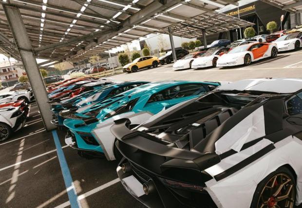 Заводът в Санта Агата продължава да е под управлението на Audi
