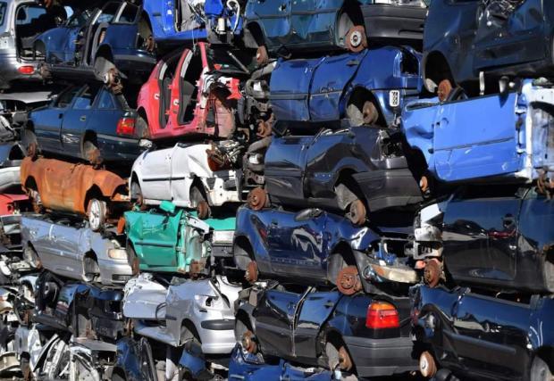 Опитът от Европа показва, че първо се възползват собственици на изоставени или малко карани коли
