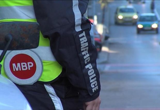 Пътна полиция следи не само за нарушения на шофьорите, но и за неправилно пресичащи пешеходци