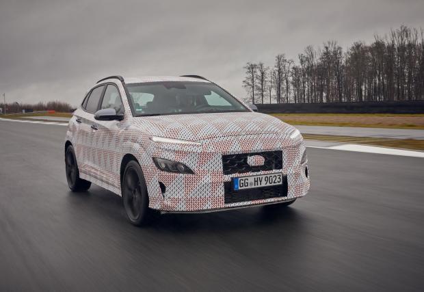 Под грозните камуфлажи се крие най-бързият SUV на Hyundai