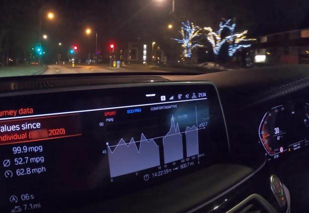 На финала бордовият компютър показва 52,7 мили за един галон, което се равнява на 5,4 л/100 км