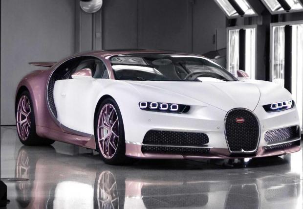 Галерия от 11 снимки на Bugatti Chiron Alice