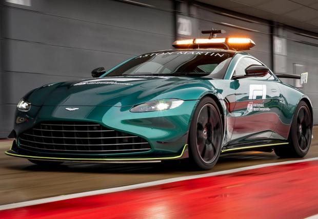 Разгледайте новите коли за сигурност на Aston и Mercedes в галерията!