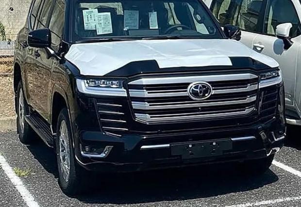 Десет шпионски снимки на най-голямата Toyota