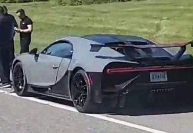 Галерия от 2 снимки от катастрофата на Bugatti Chiron Pur Sport