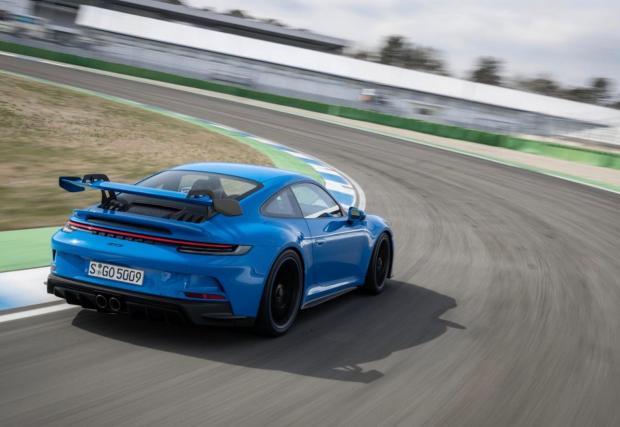Девет снимки от тестовете на 911 GT3