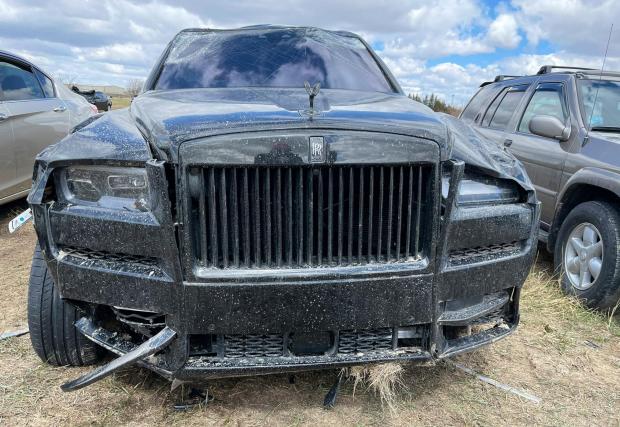 Галерия от 4 снимки на катастрофиралия Rolls-Royce Cullinan