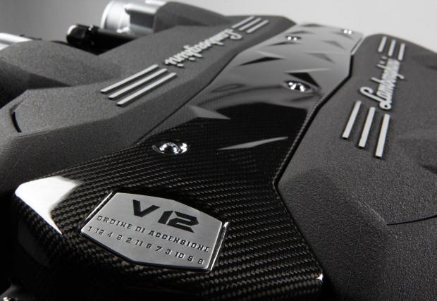 Lamborghini е разработвал едва два 12-цилиндрови двигателя