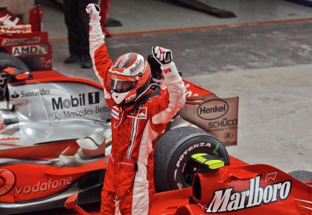 1. Една титла при пилотите. Със забележителни три победи от последните четири старта Кими измъкна под носа титлата от борещите се помежду си пилоти на McLaren Хамилтън и Алонсо през 2007 г. Оттогава Ferrari не са имали шампион