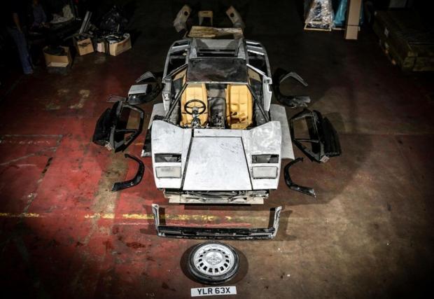 Галерия от 10 снимки на Lamborghini Countach LP500S