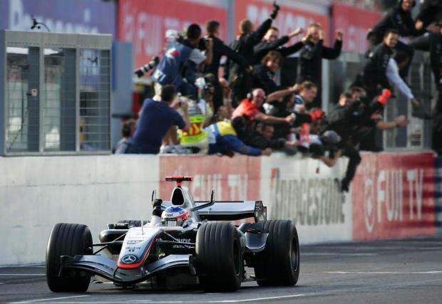 17-и на старта. Кими е сред най-добрите в това да си пробият път през колоната до победата. Малцина са печелили състезание от по-лоша стартова позиция: 17-и на старта в Гран при на Япония през 2005.