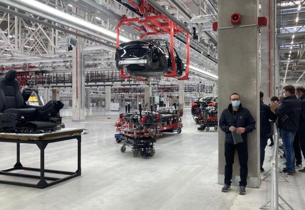 Гигазаводът в Берлин вече произвежда пилотни екземпляри Model Y