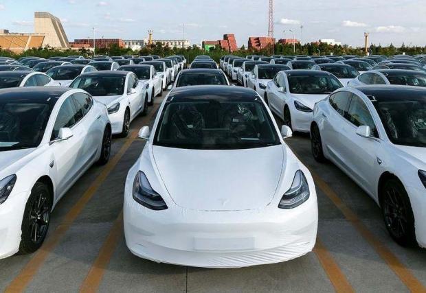 Tesla засега внася в Германия всичките си модели, но от ноември започва производството на Model Y край Берлин