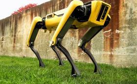 SpotMini е робот, който може да наследи вашия лабрадор. Изглежда плашещо. Видео
