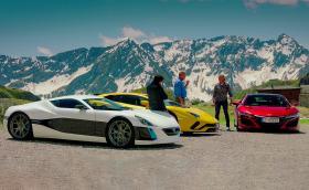 Хамънд катастрофира с 1088-конния Rimac Concept One, Джеръми кара Aventador S, a Джеймс се радва на хипер хибрида Honda NSX. Първият епизод на The Grand Tour сезон 2 вече е наличен!